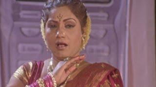 getlinkyoutube.com-Tumacha Mobile Wajato Khana Khana - Surekha Punekar, Lai Bhannat Lavani Song