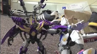 getlinkyoutube.com-Transformers Prime Legacy Ep1 Smokescreen vs Kickback Stop Motion