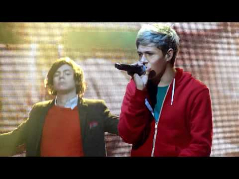 One Direction Tour - MANCHESTER - Save You Tonight HD