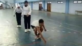 getlinkyoutube.com-Olahraga Tradisional Part VI (Lari Balok)