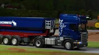 getlinkyoutube.com-SIKU CONTROL32 - Scania mit Kippsattelauflieger