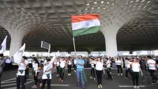 getlinkyoutube.com-Breaking Free at T2 International Airport, Mumbai (Flash mob at T2 on Independence Day)