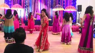 getlinkyoutube.com-Mehreens Wedding Dances-Girls Side