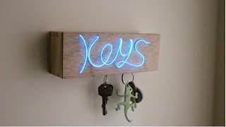 getlinkyoutube.com-D.I.Y Illuminated Magnetic Key Holder!