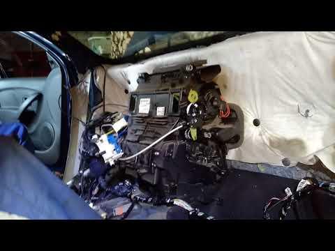 Рено логан прогнил радиатор испаритель кондиционера в салоне