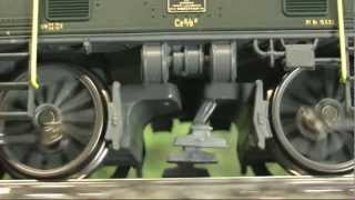 getlinkyoutube.com-Modellbahn-Neuheiten (327) Märklin 37565 Doppelpack Krokodile / Die grüne Lok