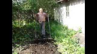 getlinkyoutube.com-Моя работа в огороде с чудо лопатой Гайдамаха