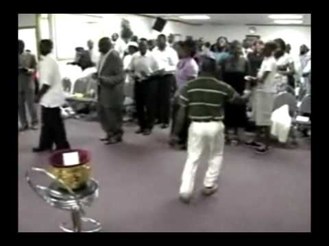 Brother Franklin Dancing in Church FUNNY!!!!! [AFRICAX5.TV]
