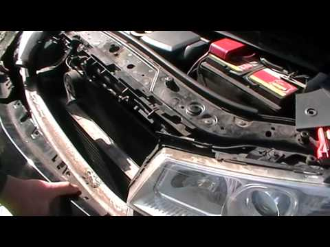 Renault Megane II - Снятие бампера и фары - Stossdampfer, Scheinwerfer