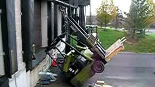 getlinkyoutube.com-Accidente con montacargas ASOVICTRA