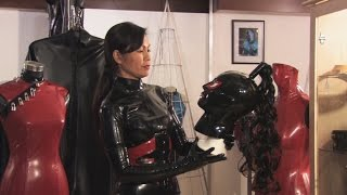getlinkyoutube.com-Elasia fully covered with her Latex Catsuit