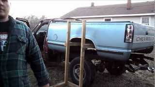 getlinkyoutube.com-One man removal of 1988 - 1998 Chevy 1500 pickup truck bed
