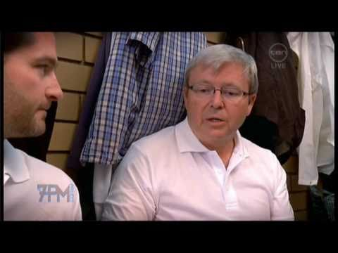 Kevin Rudd vs Julie Bishop lawn bowls face-off - The 7pm Project