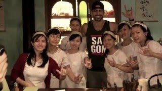getlinkyoutube.com-Nyle DiMarco only deaf world & first victory in America's Next Top Model to visit Hoi An