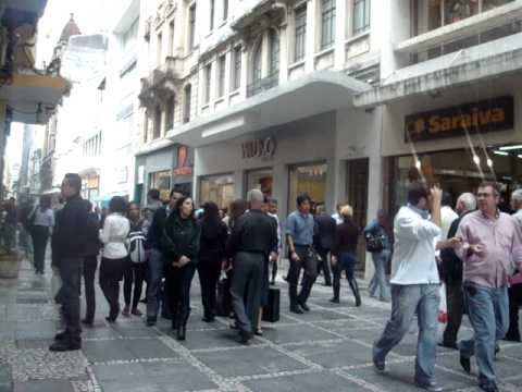 Sao Paulo Downtown (May 2011) - 5 minutes of people walking down the street (9897)