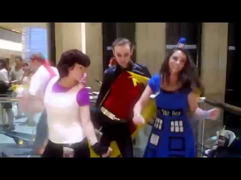 Gangnam Style Music Video in Cina travestiti