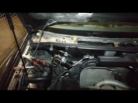 How to replace a wiper linkage on a Volvo S40 2003. Part 3.