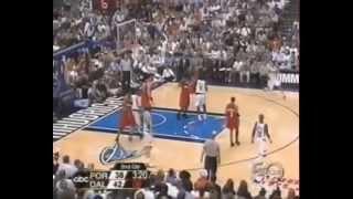 getlinkyoutube.com-Arvydas Sabonis Last Game On NBA vs. Dallas Mavericks 2003