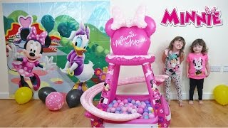 getlinkyoutube.com-Disney Minnie Mouse videos Buttons & Bows Ball Pit | Surprise eggs & awesome Disney Toys
