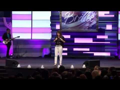 Homenaje a la Pastora Maria Gracia - GLOW 2014
