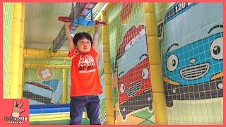 getlinkyoutube.com-타요 키즈 카페 어린이 놀이 미니 간다 ♡ 타요버스 자동차 장난감 Tayo kids cafe toys тайо автобус Игрушки | 말이야와아이들 MariAndKids