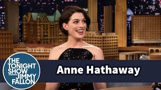 getlinkyoutube.com-Anne Hathaway Ranks Her Embarrassing Moments
