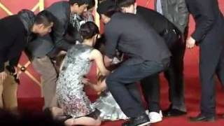 getlinkyoutube.com-Michelle Ye Faints During Film Promotion