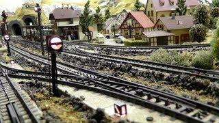 getlinkyoutube.com-Modellbahn in Spur H0 - 1/87 Märklin - Vom Gleisplan, Aufbau Gleise & fertige Modelleisenbahn Anlage