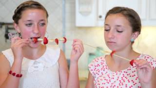 Brooklyn and Bailey funniest and cutest behind the scenes at 13 years old : Sister relationship goal