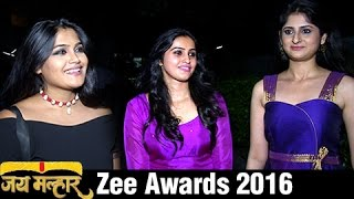 getlinkyoutube.com-Jai Malhar Team At Zee Marathi Awards 2016 | Devdatta Nage , Surabhi Hande Isha Keskar