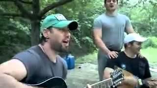 getlinkyoutube.com-Whatsapp videos Чеченец играет на гитаре