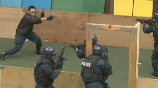 getlinkyoutube.com-実弾射撃訓練を初公開 警視庁、サミットに向け