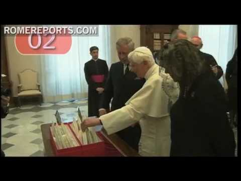 10 oddest gifts given to Benedict XVI