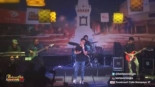 Puisi - Brian Jikustik Live Performance at. Foodcourt Cafe Kampayo XT Ft. Dexter Band