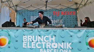 getlinkyoutube.com-Dj Koze @ Brunch Electronik Barcelona (29-03-2015)