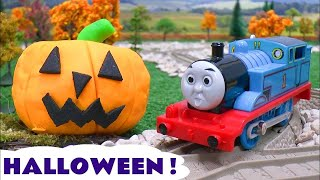 getlinkyoutube.com-Thomas The Train Play Doh Halloween Pumpkin Ghosts Haunted Toy Story Tom Moss Prank Playdoh