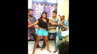 getlinkyoutube.com-swathi naidu romantic song making video