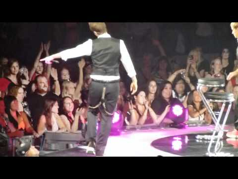 NKOTB Joey Pranks BSB During All I Have To Give/Quit Playin Games Final Show