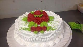 getlinkyoutube.com-Decoração de bolo com Rosas de Chantilly