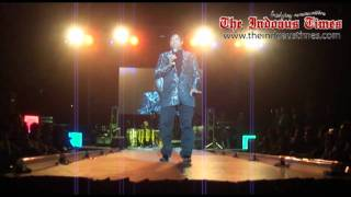 getlinkyoutube.com-Umer Sharif live performance in Sydney Hillarious part-1
