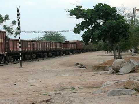 Trem de carga Passando em Cacimbas Itiúba BA