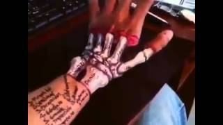 getlinkyoutube.com-Skeleton Hand 3D Tattoo. Amazing  Ink Work
