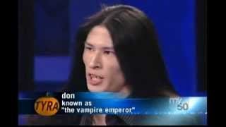 getlinkyoutube.com-Tyra Investigates The Vampire Culture - Part 1