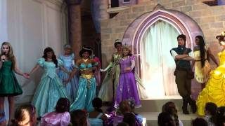 getlinkyoutube.com-Rapunzel Crowning Disney Princess Celebration