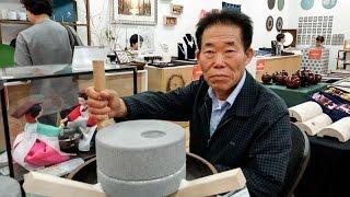 getlinkyoutube.com-철원현무암으로 만든 수동식 맷돌 백성기 대표