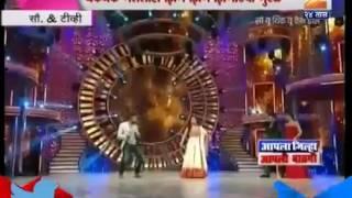 getlinkyoutube.com-Ritesh Deshmukh | Madhuri Dixit |Akshay Kumar | dancing on zingat song | Sairat movie |