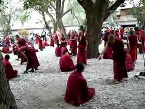 Sera monastery monks debating Pt II