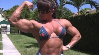 getlinkyoutube.com-Betty Viana Adkins Outdoor Muscle Posing