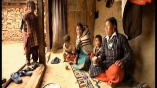 getlinkyoutube.com-Mujer de Nepal con tres maridos