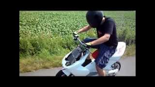 getlinkyoutube.com-19,9 PS Midrace Yamaha Aerox *max ported* PART 1